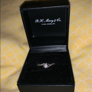 Diamond Ring - Size 7 - 1/4 CTTW